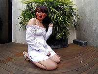 Young Asian Girl Outdoor Posing - VRPussyVision